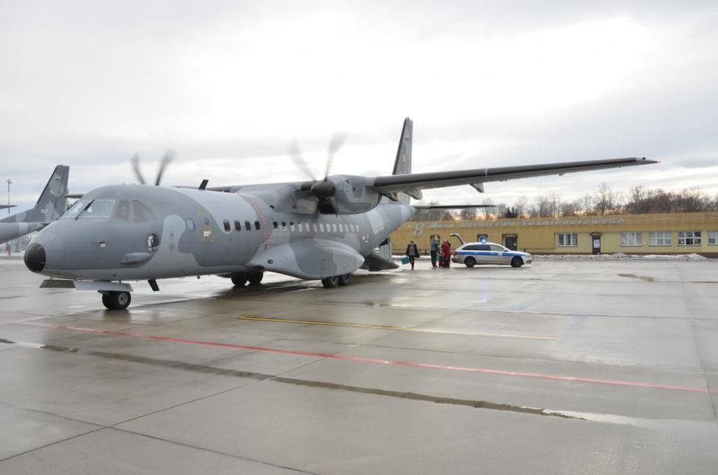 Zdjęcie kolorowe, samolot 8 bazy lotnictwa w Krakowie